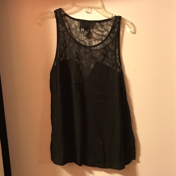 H&M Tops - H&M lace tank top